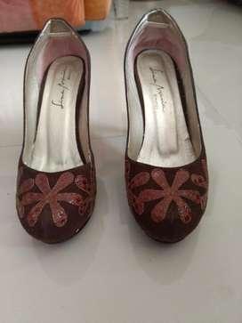 Vendo Zapatos Talla 40