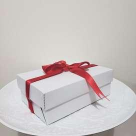 Caja regalo carton con moño