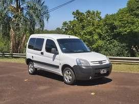 Peugeot Partner 1.4 nafta furgon vidriada impecable