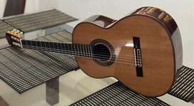 Guitarra Española totalmemte artesanal de alta calidad