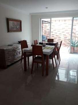 Casa 3 pisos, 4 baños, sala comedor, patio cubierto, star domo, cocina integral, garage cubierto, 4 habitaciones, star 2