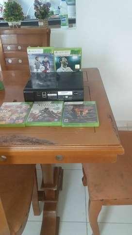 Xbox 360 casi nuevo.