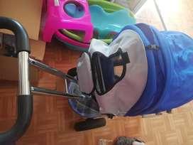 Se vende coche-triciclo
