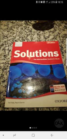 Solutions Pre Intermediate Students Book