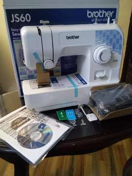 Maquina de coser familiar Brother JS-60