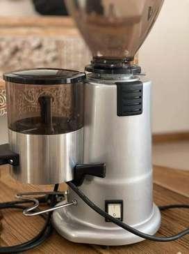 Molino de cafe italiano marca Carimali NUEVO