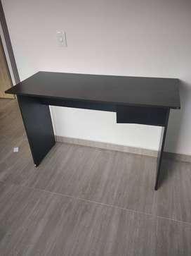 Remato un hermoso escritorio Nuevo