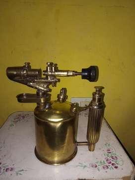 Soldador de kerosene antiguo