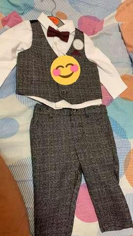 Vendo traje de smoking -bautizo de 3 a 6 meses  bebe