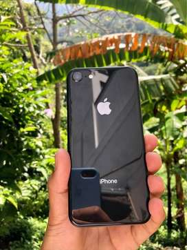 SE VENDE IPHONE 8 DE 64 GB