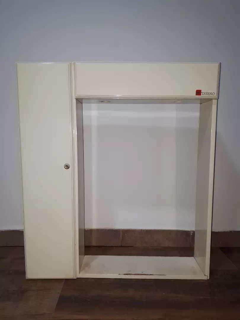 Botiquín sin espejo. 0