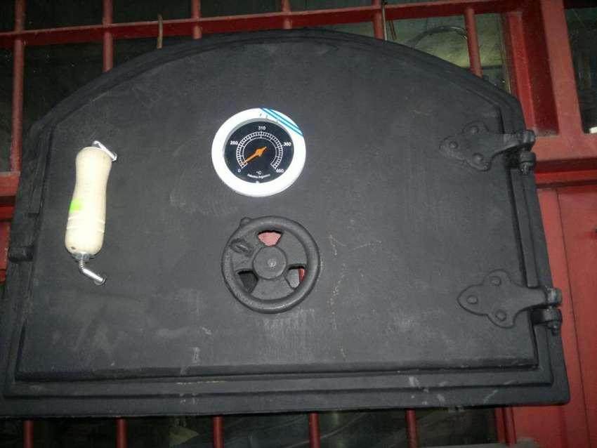 Puerta de fundicion para horno de barro 0