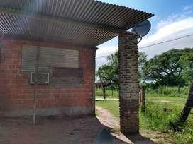 Vendo casa en barranqueras con columnas 2 piezas un baño y 2 bases para edificar