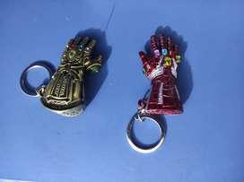 Llaveros (Iron Man y Thanos)