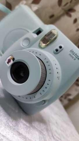 Cámara instantánea Fujifilm Instax Mini 9 con estuche original