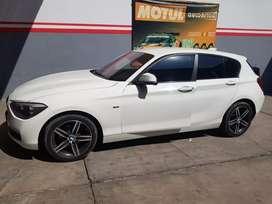 Vendo BMW 2015 Twin turbo versión FULL en super buen estado.