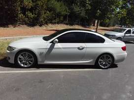 Cupe BMW 335i Equipo M