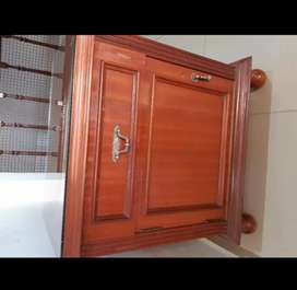 Mesas de luz $3000 c/u (son dos), comoda con espejo $10.000, ropero $20.000.. JUEGO COMPLETO $35.000 ! Consultame !!