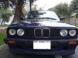 BMW 320i (1989)