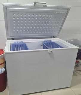 Vendo congelador horizontal marca challenger 387 litros 6 meses de uso