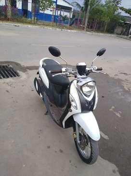 Expectacular moto scooter fino edición especial Yamaha