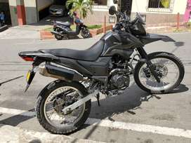 MOTOCICLETA TTR200  AKT