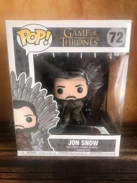 Funko pop Jon Snow en trono de hierro