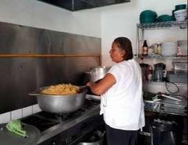 Se busca señora mayor de 35 años para aseo y encargarse de mi casa Colombiana buena Cocinando