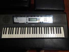 Piano yamaha ez 200 10/10