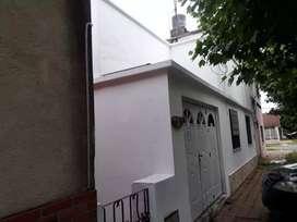 Vendo casa 3 ambientes,c/garaje