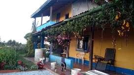 Casa finca en el oriente privada con jardin zen con frutales banano platano invernadero encerramiento