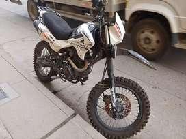 Moto Davest