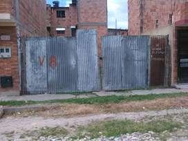 Hermoso lote de 6*12 ubicado en facatativa barrio san pedro claver,licencia y planos,impuesto al dia