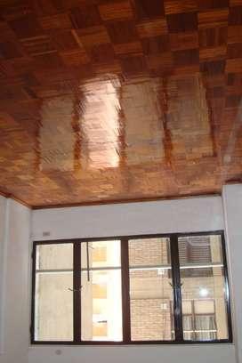Alquilo OFICINA en el CENTRO en calle belgrano al 65, de 2 ambientes + baño y kichenettte