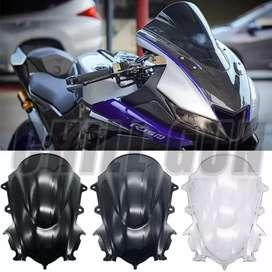 Cúpula estilo burbuja (negra) para Yamaha R15 V3 (versión 3.0)