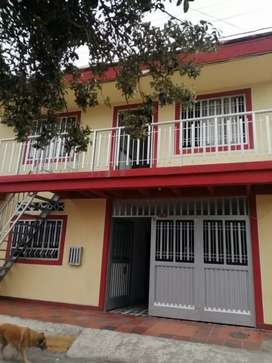 Vendo casa de dos pisos barrio Kennedy Neiva