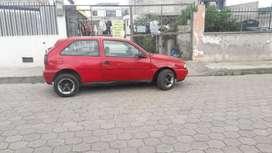 Se vende un auto volkswagen año 96, gasolina, papeles todo al dia, está apto para cualquier prueba.