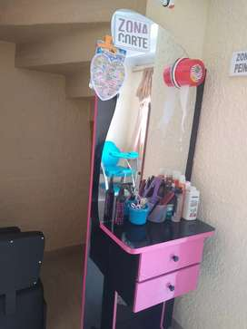 Peinadora para salon