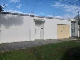 Alquilo casa ubicada en calle Juan B. Justo N°1438