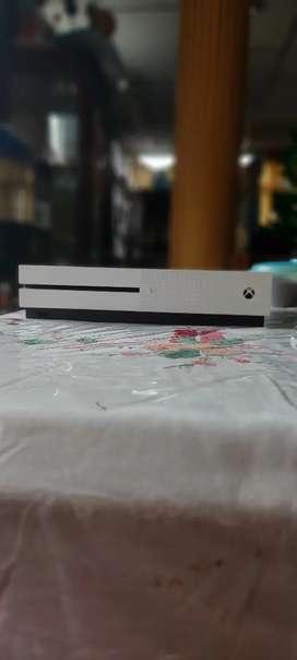 Consola Xbox one S 1 terabyte (leer descripción para saber lo que incluye) precio negociable