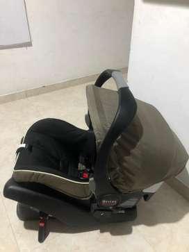 Vendo silla de bebe para coche nueva