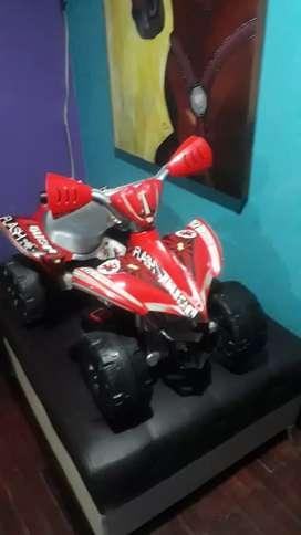 Vendo moto de bateria exelente estado