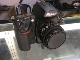 Nikon D700 full frame con lente Nikon 50 mm