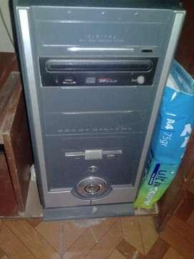 Computadora antigua que aun funciona para programas basicos o partes