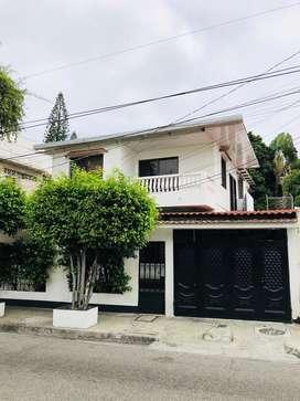 ALQUILO SUITE A ESTRENAR PARA OFICINA O VIVIENDA MÁXIMO UNA O DOS PERSONAS... Barrio Centenario (Sur de Guayaquil)