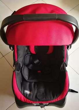 Silla porta bebés para carro