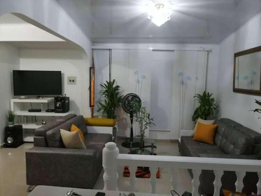 Por viaje vendo permuto casa de dos pisos independientes en Villavicencio