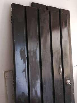 Puertas metálicas de segunda