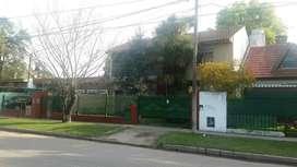 Chalet 4 amb. con jardin y parque.