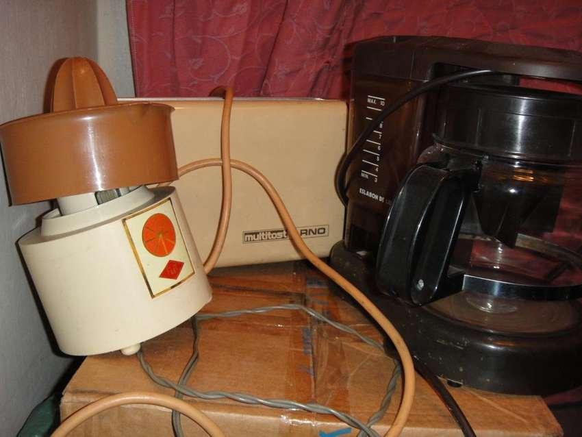 Combo cafetera, tostadora y exprimidor 0